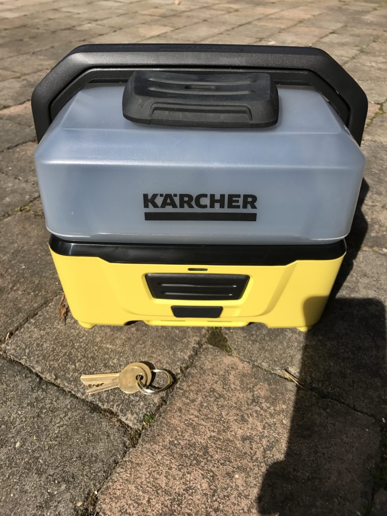 Kärcher OC3 Mobile Outdoor Cleaner - Front On, Keys for Scale