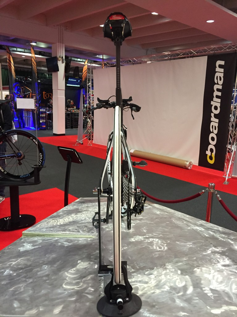 Dassi TT Bike - Rear - 220 Triathlon Show